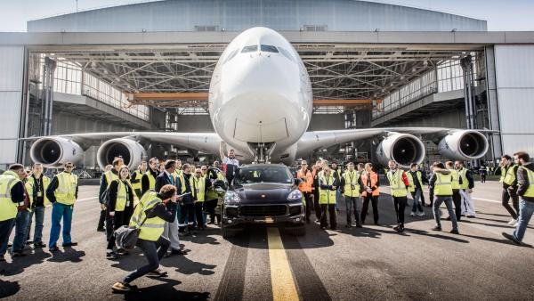 Porsche Cayenne pulls Airbus A380 to clinch new world record